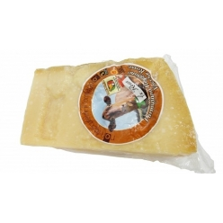 Parmesan cheese from 'Red cow race' DOP 500 gr