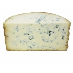 English cheese Stichelton 2...